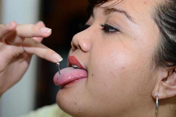 Как без боли проколоть нос в домашних условиях без боли